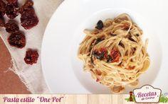 """Pasta estilo """"One Pot"""", receta rápida y sana - Pasta estilo """"One Pot"""" """"One Pot"""" es el término inglés que se usa para recetas que se hacen en un solo recipiente. Es algo que utilizamos en ocasiones para algunas recetas en concreto pero ¿para hacer pasta? Siempre la cocemos por separado así que cuando vi esta receta por... - http://www.lasrecetascocina.com/pasta-one-pot/"""