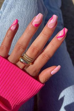 OBSESSING OVER THESE HOT GIRL SUMMER NAILS✨ Who else needs these nails in their life? (via gelsbybry) Frensh Nails, Cute Gel Nails, Funky Nails, Swag Nails, Neon Nails, Cute Pink Nails, Pink Tip Nails, Short Gel Nails, Pink Nail Art