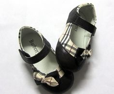 Burberry Kids Shoes - my munchkin should have this Girls Dress Shoes, Boys Shoes, Me Too Shoes, Burberry Kids, Burberry Shoes, Discount Kids Shoes, Baby Couture, Kids Sandals, Kids Fashion Boy