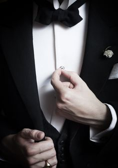A man in a tux … swoon.