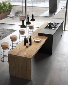 Modern Kitchen Interior The contemporary kitchen borrows high functionality and streamlined surfaces from the modernist design movement, but its style often incorporates received Outdoor Kitchen Design, Home Decor Kitchen, Interior Design Kitchen, Kitchen And Bath, Home Design, Design Ideas, Kitchen Ideas, Outdoor Kitchens, Bar Kitchen