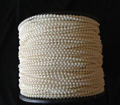 Stor Perde Plastik Metraj Zincirleri Koli İçeriği: 250 Metre / Bobin, 1.000 Metre / Koli Renkler: Krem, Beyaz'dır. www.acatay.com
