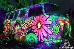 Fotos de Universo Paralello Festival - Fotos do mural Vw T1 Camper, Vw Caravan, Volkswagen Bus, Hippie Camper, Volkswagen Transporter, Combi Hippie, Hippie Love, Hippie Chick, Hippie Things