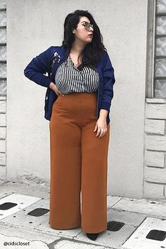 Forever - A lightweight pair of woven palazzo pants featuring a high-waist, super wide-leg, and an invisible side zipper. i know these are wide leg but straight leg pants look great on u Curvy Girl Fashion, Look Fashion, Plus Size Fashion, Fashion Outfits, Fashion Trends, Fashion 2018, Fashion Black, Gothic Fashion, Fall Fashion