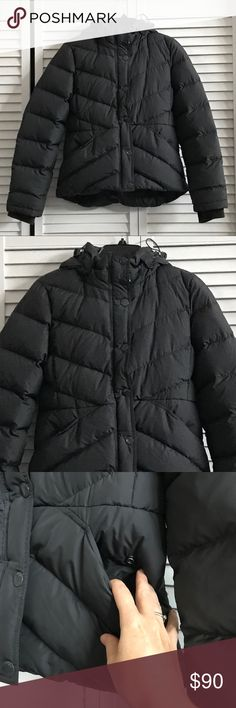 🆕J. Crew puffer coat, EUC. Snuggly warm J. Crew puffer jacket. Dark charcoal grey color almost a soft black. Dark grey soft lining. Zip and snap closures with a cinching waist. Front pockets, thumbs holes. Removable hood. Shaped in at the waist for a feminine fit. Stay warm all winter long. Used but in excellent condition. Size small. 100% poly. Minimum of 80% down fill. Machine wash. Smoke free home. J. Crew Jackets & Coats Puffers