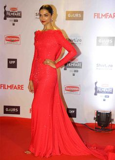 Filmfare Awards: Deepika, Jacqueline, Sonam: Gorgeous gals on the red carpet - Rediff.com movies