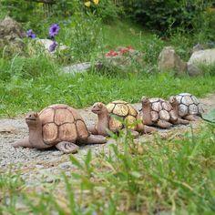 Keramická želva hnědá Keramická želva vhodná domů i ven. Vyrobená ze šamotové hlíny, vysoká 6 cm, dlouhá 14 cm. Další barevné varianty najdete v kategorii želvy.......