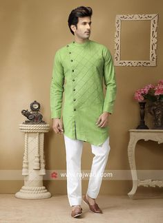 Online Pathani Set For Eid Traditional Indian Mens Clothing, Mens Traditional Wear, Indian Wedding Clothes For Men, Wedding Kurta For Men, Mens Indian Wear, Indian Men Fashion, African Fashion, Mens Fashion, Simple Kurta Designs