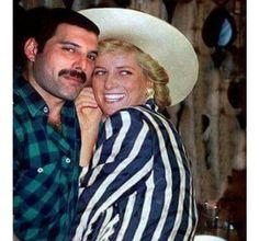 Freddie Mercury sneaking Princess Diana into a gay bar. 1988 Freddie Mercury sneaking Princess Diana into a gay bar. Queen Freddie Mercury, Freddie Mercury Last Photo, Princesa Diana, Freddie Mecury, Roger Taylor, We Will Rock You, Queen Band, John Deacon, Killer Queen