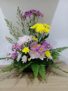 Flowers Funeral Floral Arrangements, Creative Flower Arrangements, Church Flower Arrangements, Altar Flowers, Church Flowers, Hand Bouquet, Arte Floral, Ikebana, Spring Crafts
