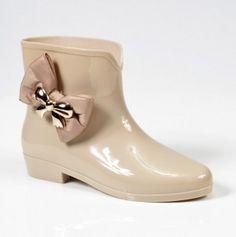 Bubble Bow Rain Boot from totsy
