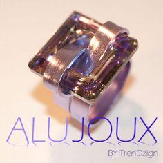 Aluminiumwire ring with Swarovski stone