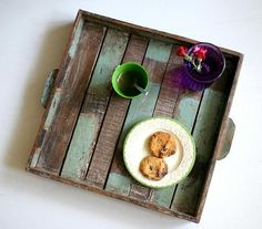 Green tea time :)  Taca drewniana z recyklingu