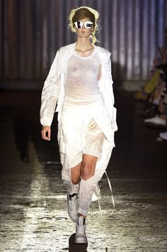 See the complete Barbara í Gongini Spring 2017 collection from Copenhagen Fashion Week.