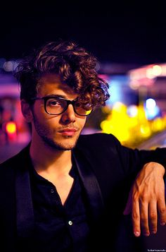 Xavier Dolan or Perfection however you want! Xavier Dolan, Hipster Hairstyles, Cool Hairstyles, Men Curly Hairstyles, Curly Hair Men, Curly Hair Styles, Men's Hair, My Hairstyle, Hairstyle Ideas