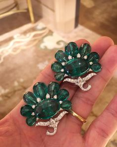 "490 Me gusta, 9 comentarios - Fernando Bustillo (@fd_gallery) en Instagram: ""BHAGAT! A Pair of Emerald and Diamond Ear Clips, set with one cabochon Colombian emerald weighing…"""