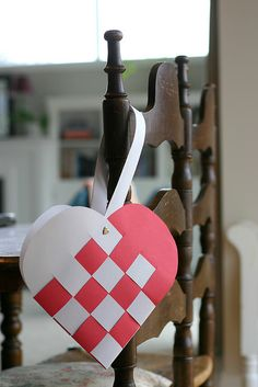 paper crafts: inexpensive valentine kid-crafts - crafts ideas - crafts for kids