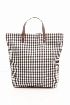 steve mono ed vichy tote bag Shoe Gallery, Insulated Lunch Bags, Fabric Bags, Market Bag, Brown Bags, Black Tote Bag, Handmade Bags, Leather Handle, Bag Making