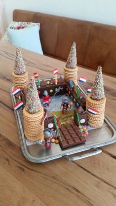 Knight's Castle # Cake # Children's Birthday Ritterburg # Kuchen # Kindergeburtstag 397 Source by da Kale Pasta, Food Decoration, Kids Meals, Cake Recipes, Cake Decorating, Bakery, Food And Drink, Sweets, Mad