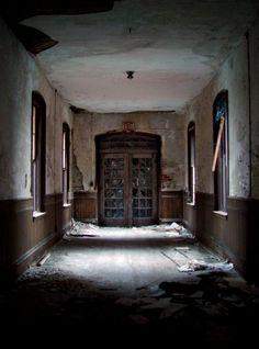 Admin Doors - Photo of the Abandoned Danvers State Hospital Abandoned Asylums, Abandoned Buildings, Abandoned Places, Scary Places, Haunted Places, Places To See, Mental Asylum, Insane Asylum, Old Hospital
