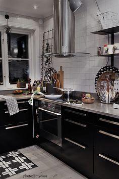 Great styling. Kitchen fan, black, wood, graphic