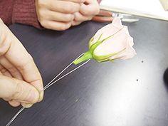 コサージュとブートニアの作り方:うきうき花レシピ