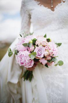 The perfect pink & purple wedding bouquet! Photo: Bikini Birdie /Event Planning & Design: Isabel Lopez Quesada / Floral Design: La Tienda Rustica / Dress: Basaldua