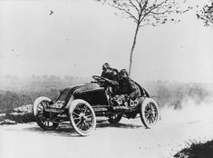 """""""Marcel Renault on his car during the Paris-Madrid race. Marcel Renault eventually crashed the car and died later during the race"""" France, 24 May 1903 Marcel, Buick, Grand Prix, Cadillac, Renault Nissan, Photo Vintage, Vintage Photos, Old Race Cars, Vintage Race Car"""