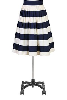 Fashion In The 1950S , Outfits In Style  color-pop, colorblock, fifties-style, poplin, skirts,full-skirts