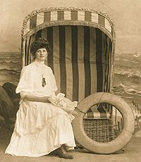 1920 seaside set