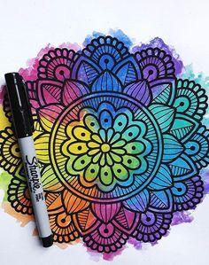 Toma riesgos si ganas sers mas feliz si pierdes sers mas sabio        #paulazart #mandala #mandalas #anamandalas Mandala Art, Mandala Doodle, Mandala Drawing, Arte Sharpie, Dibujos Zentangle Art, Zentangle Art Ideas, Doodle Art Drawing, Estilo Hippie, Z Arts