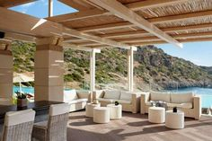 Enjoy scrumptious dishes and upscale cocktails in the perfect atmosphere of Daios Cove Luxury Resort & Villas Resort Villa, Crete Greece, Travel Magazines, Thessaloniki, Travel News, Hotel Reviews, Pergola, Photo Galleries, Outdoor Structures