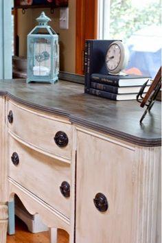 Retapage d'un meuble ancien