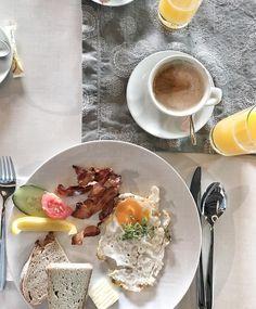 Wir haben euch nach euren liebsten Brunch-Lokalen in Niederösterreich gefragt. Und hier sind sie – Moizeit! Lokal, Panna Cotta, Brunch, Ethnic Recipes, Food, Vacation, Food Food, Dulce De Leche, Essen