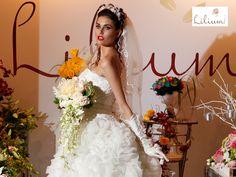 LAS MEJORES FLORES A DOMICILIO. Si para el día de tu boda deseas llevar contigo un hermoso ramo de novia elaborado con flores naturales, te invitamos a conocer nuestros diseños en www.lilium.mx, si deseas un arreglo personalizado, puedes comunicarte con nosotros al teléfono 6691-9295. En Lilium queremos acompañarte en ese momento tan especial de tu vida, con las flores más hermosas. #diseñofloral