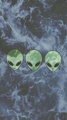 Alien tumblr wallpaper                                                                                                                                                     Mais