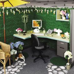 http://www.bebarang.com/more-spirit-at-work-with-stylish-cubicle-decorating-ideas/ More Spirit at Work With Stylish Cubicle Decorating Ideas : Office Cubicle Decorating Ideas With Simple Sweet Garden Theme Concept