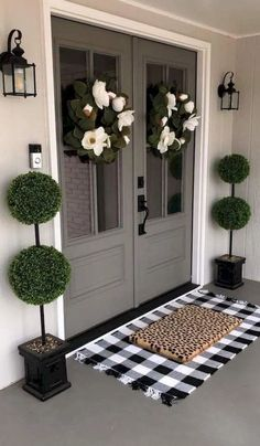 front porch decor ideas - Porches have their background in very early America and are frequently related to a simpler time and lifestyle, Best Rustic Farmhouse Front And Back Porch Designs Ideas Farmhouse Front Porches, Farmhouse Side Table, Farmhouse Decor, Modern Farmhouse, Farmhouse Style, Farmhouse Ideas, Farmhouse Design, Hm Deco, Cute Dorm Rooms