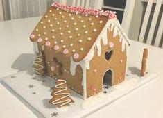 Recette Maison en Pain d'Epice - LEBLOGDELAURA Christmas Gingerbread House, Christmas Cookies, Gingerbread Houses, Christmas Time, Christmas Crafts, Christmas Decorations, Xmas Food, Biscuit Cookies, Diy Food