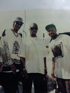 Snoop Dogg x 2Pac x MC Hammer