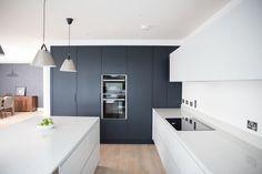 Open Plan Kitchen: Thornhill - Noel Dempsey Design Diy Kitchen Decor, Kitchen Dinning, Kitchen Furniture, New Kitchen, Furniture Design, Contemporary Interior Design, Bathroom Interior Design, Kitchen Interior, Kitchen Diner Extension