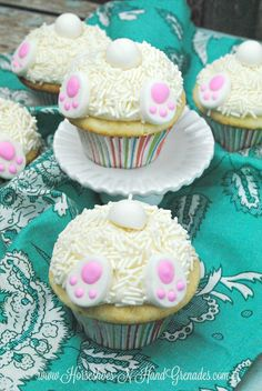 Cute Easter Bunny Butt Cupcakes are a perfect treat for kids on Easter Sunday!
