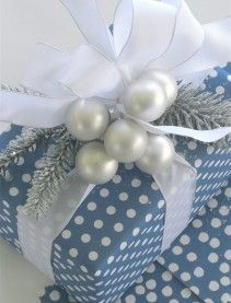 Pretty Christmas gift wrap design—blue & white polka dots❣   Carolyne Roehm