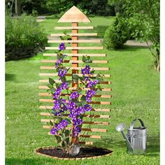 Rankskulptur / Rankgitter Blatt, Kiefernholz kaufen Rank sculpture / trellis leaf, pine wood for sale CUSTOM / Light pine / rope / hardwareLearn this beautiful pergola trellis in yourVisual protection or unconventional trellis DIY Garden Crafts, Garden Projects, Garden Art, Garden Design, Diy Garden, Garden Ideas, Garden Trellis, Garden Planters, Clematis Trellis