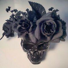 A black floral crown! @Ebonee Shanay