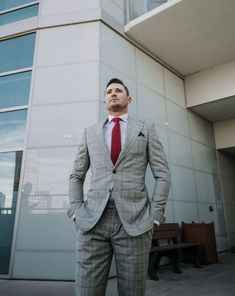 Not sure How To Overcome the Winter Blues? No worries! LLEGANCE will teach you how to boost your mood by wearing certain garments to work. Different Suit Styles, Semi Casual Outfit, Dinner Party Outfits, Pinterest For Men, Workwear Fashion, Fashion Menswear, Mens Fashion, Corporate Fashion, Corporate Style