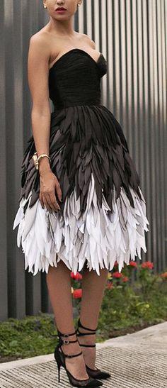Dawilda Black And White Feather Dress Holiday Style Inspo #Fashionistas