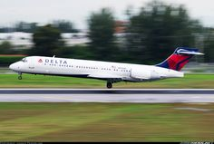 Boeing 717-2BD aircraft picture