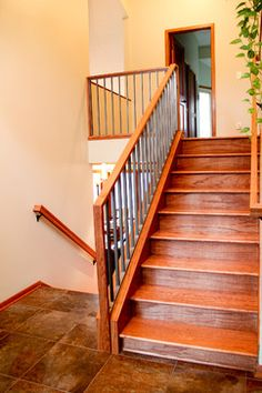 Split Level Entry. Maybe like the railing? Not the to-the-downstairs one.