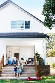 When a long-admired abode came on the market, this energetic family in Sydney jumped at the chance to make it their dream home. Outside Living, Outdoor Living, Cottage Style Homes, Australian Homes, Australian Beach, Facade House, Big Houses, Beach House Decor, Inspired Homes